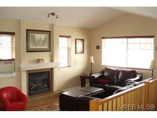 Photo 8: 959 Bray Ave in VICTORIA: La Langford Proper House for sale (Langford)  : MLS®# 507177