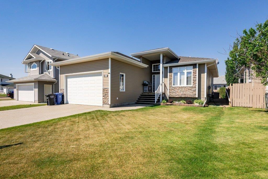 Main Photo: 4802 54 Street: Bruderheim House for sale : MLS®# E4252290