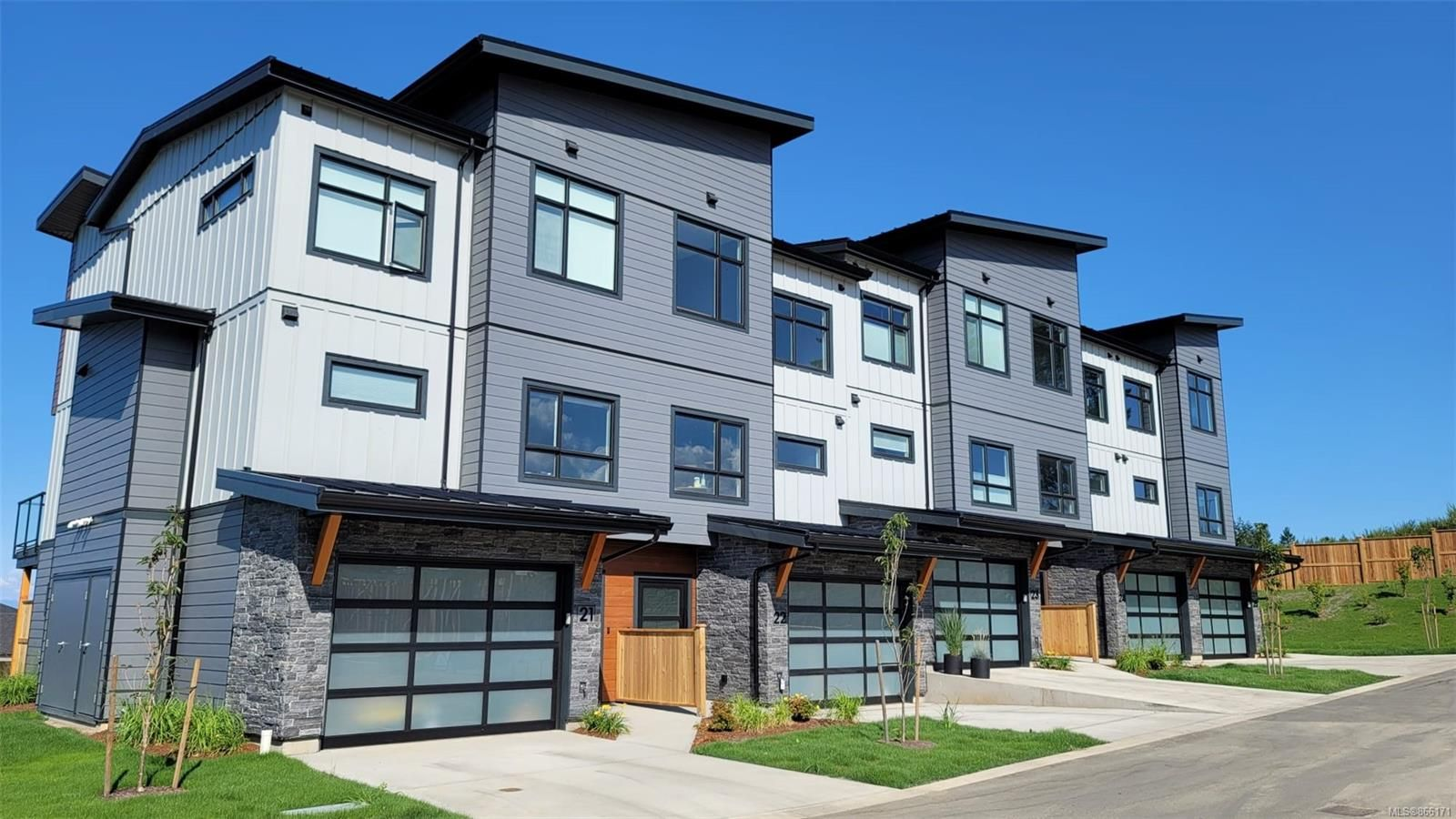 Main Photo: SL19 623 Crown Isle Blvd in Courtenay: CV Crown Isle Row/Townhouse for sale (Comox Valley)  : MLS®# 866171