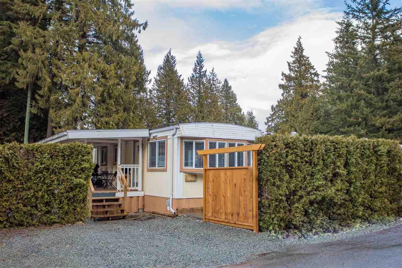 """Main Photo: 206 1830 MAMQUAM Road in Squamish: Garibaldi Estates Manufactured Home for sale in """"Timbertown"""" : MLS®# R2143638"""