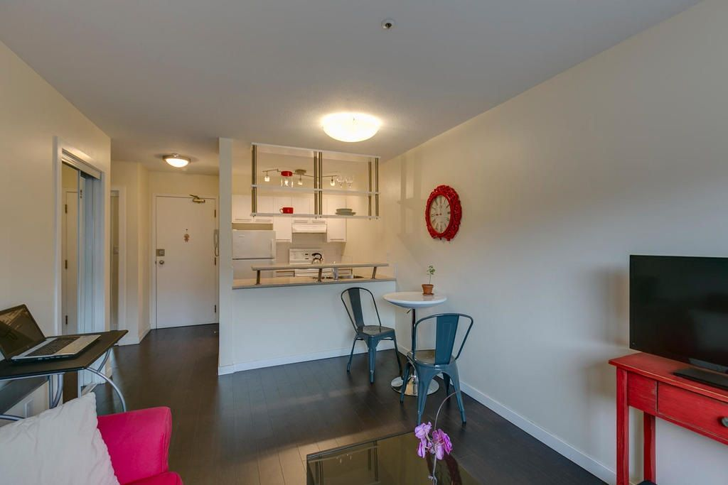 """Photo 6: Photos: 306 33 TEMPLETON Avenue in Vancouver: Hastings Condo for sale in """"North Templeton"""" (Vancouver East)  : MLS®# R2149760"""