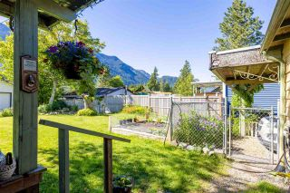 Photo 6: 268 CARIBOO Avenue in Hope: Hope Center House for sale : MLS®# R2586869