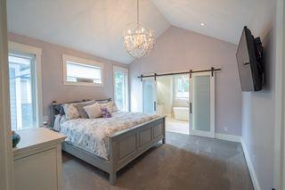 Photo 11: 17263 2 AVENUE in South Surrey White Rock: Pacific Douglas Home for sale ()  : MLS®# R2410565