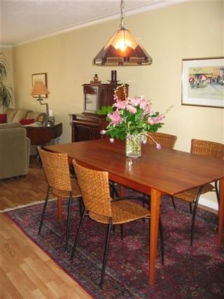 """Photo 10: 11160 KINGSGROVE Ave in Richmond: Ironwood Townhouse for sale in """"CEDAR GROVE ESTATE"""" : MLS®# V635440"""