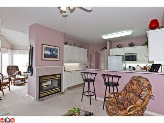 """Photo 4: # 402 1630 154TH ST in Surrey: King George Corridor Condo for sale in """"CARLTON COURT"""" (South Surrey White Rock)  : MLS®# F1202707"""