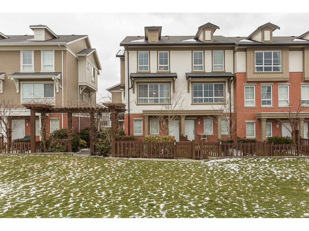 """Main Photo: 75 19505 68A Avenue in Surrey: Clayton Townhouse for sale in """"Clayton Rise"""" (Cloverdale)  : MLS®# R2142590"""