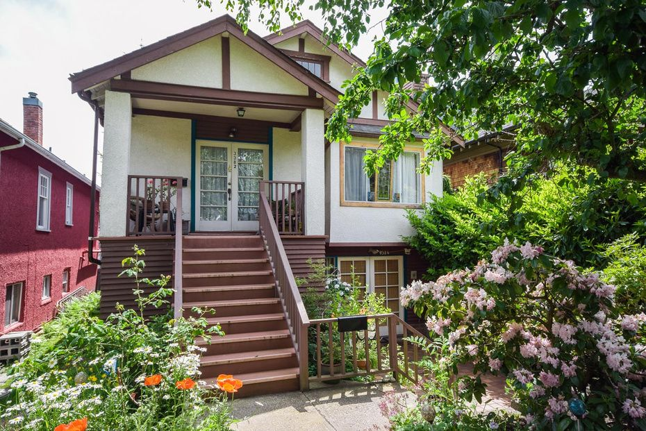 Main Photo: 3382 West 7th Ave in Vancouver: Kitsilano Home for sale ()  : MLS®# V1068381
