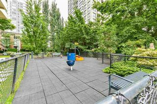 """Photo 16: 1208 928 HOMER Street in Vancouver: Yaletown Condo for sale in """"Yaletown Park 1"""" (Vancouver West)  : MLS®# R2615847"""