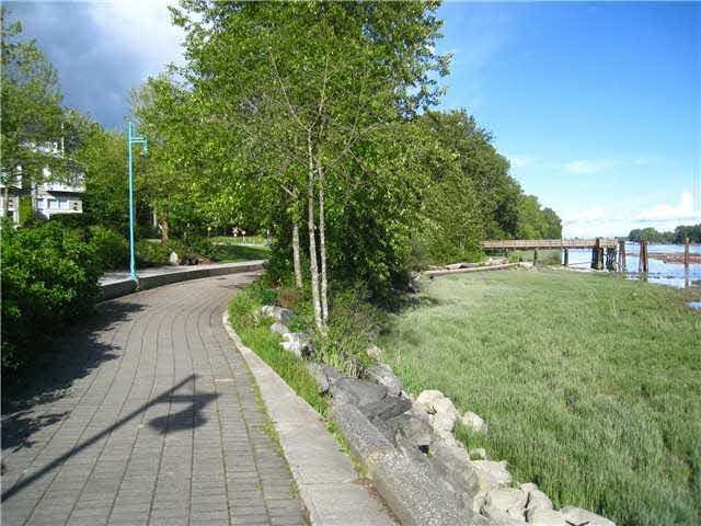"""Photo 18: Photos: 214 2250 SE MARINE Drive in Vancouver: Fraserview VE Condo for sale in """"WATERSIDE"""" (Vancouver East)  : MLS®# V1103977"""