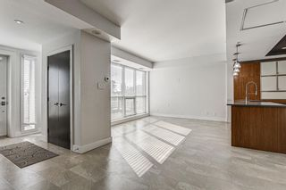 Photo 4: 14609 SHAWNEE Gate SW in Calgary: Shawnee Slopes Row/Townhouse for sale : MLS®# A1010386