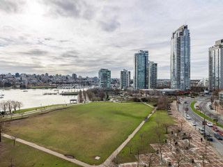"Photo 6: 10C 199 DRAKE Street in Vancouver: Yaletown Condo for sale in ""CONCORDIA 1"" (Vancouver West)  : MLS®# R2539673"