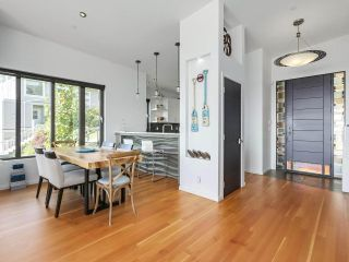 Photo 4: 14608 WEST BEACH Avenue: White Rock House for sale (South Surrey White Rock)  : MLS®# R2535601