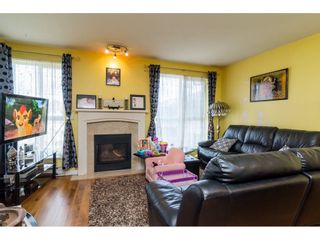 "Photo 4: 412 13727 74 Avenue in Surrey: East Newton Condo for sale in ""King's Court"" : MLS®# R2157470"