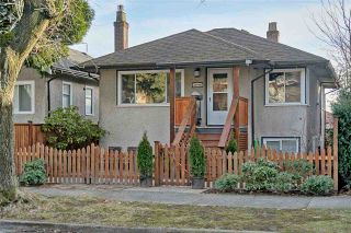 Photo 1: 3648 TURNER STREET in Vancouver: Renfrew VE House for sale (Vancouver East)  : MLS®# R2138053