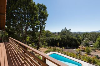 Photo 6: SOUTHEAST ESCONDIDO House for sale : 4 bedrooms : 329 Cypress Crest Ter in Escondido