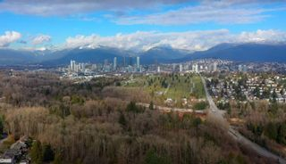 Photo 17: 5669 OAKGLEN Drive in Burnaby: Forest Glen BS House for sale (Burnaby South)  : MLS®# R2536156