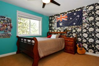 Photo 11: 15736 MOUNTAIN VIEW DRIVE in Surrey: Grandview Surrey House for sale (South Surrey White Rock)  : MLS®# R2095102