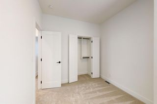 Photo 24: 2420 53 Avenue SW in Calgary: North Glenmore Park Detached for sale : MLS®# A1142922