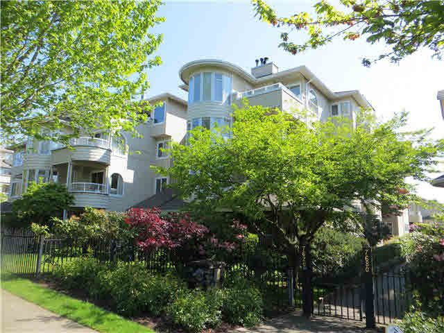 Main Photo: 106 7620 COLUMBIA Street in Vancouver: Marpole Condo for sale (Vancouver West)  : MLS®# V1122015