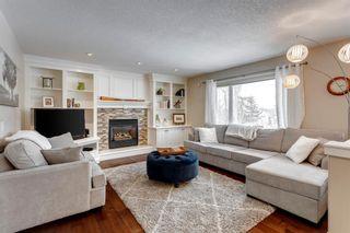 Photo 1: 87 Douglasview Road SE in Calgary: Douglasdale/Glen Detached for sale : MLS®# A1061965