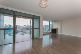 """Photo 17: 1905 1128 QUEBEC Street in Vancouver: Mount Pleasant VE Condo for sale in """"THE NATIONAL"""" (Vancouver East)  : MLS®# R2232561"""