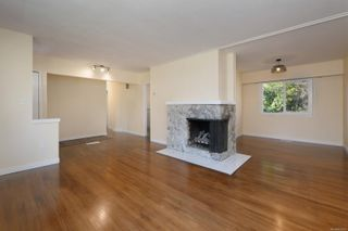 Photo 2: 2940 Foul Bay Rd in : SE Camosun House for sale (Saanich East)  : MLS®# 862693