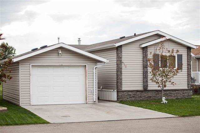 FEATURED LISTING: 418 Oak Wood Crescent Edmonton