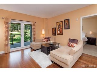 Photo 5: 213 1400 Lynburne Pl in VICTORIA: La Bear Mountain Condo for sale (Langford)  : MLS®# 677848
