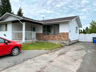 Photo 2: 2420 FOOT Street in Prince George: Pinewood House for sale (PG City West (Zone 71))  : MLS®# R2588309