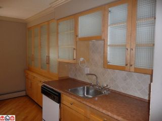 "Photo 3: 118 1442 BLACKWOOD Street: White Rock Condo for sale in ""BLACKWOOD MANOR"" (South Surrey White Rock)  : MLS®# F1103231"