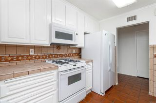 Photo 7: House for sale : 3 bedrooms : 6318 Lake Kathleen Avenue in San Diego