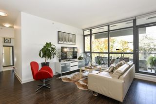 """Photo 3: 404 2851 HEATHER Street in Vancouver: Fairview VW Condo for sale in """"Tapestry"""" (Vancouver West)  : MLS®# R2512313"""