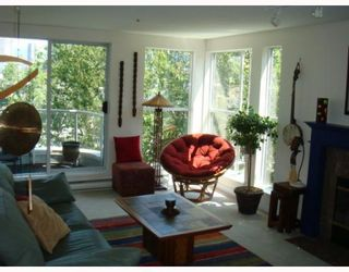 """Photo 2: 304 1502 ISLAND PARK Walk in Vancouver: False Creek Condo for sale in """"THE LAGOONS"""" (Vancouver West)  : MLS®# V775905"""