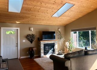 Photo 9: 1841 NORTH Road in Gibsons: Gibsons & Area House for sale (Sunshine Coast)  : MLS®# R2619808