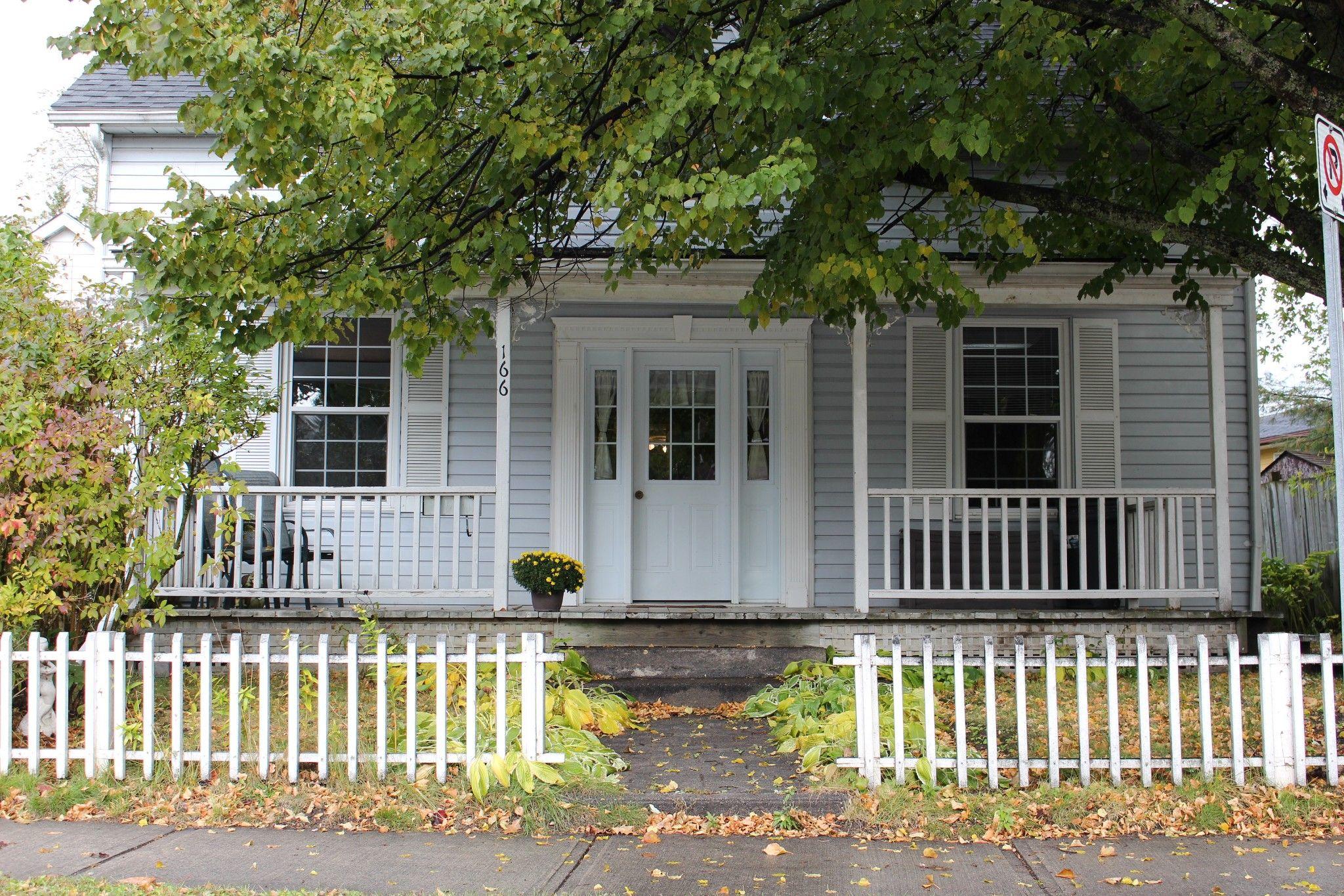 Main Photo: 166 Sydenham Street in Cobourg: House for sale : MLS®# 1602024