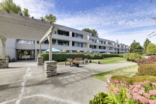 """Photo 1: 205 15272 19 Avenue in Surrey: King George Corridor Condo for sale in """"PARKVIEW PLACE"""" (South Surrey White Rock)  : MLS®# R2620365"""