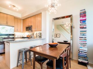Photo 3: 429 901 W Queen Street in Toronto: Trinity-Bellwoods Condo for lease (Toronto C01)  : MLS®# C5229903