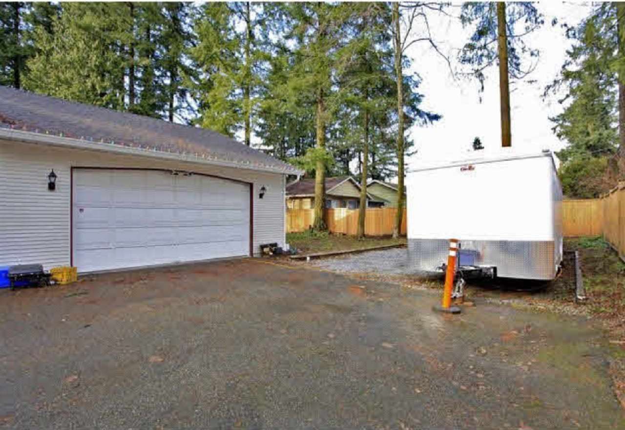Photo 2: Photos: 19977 46 Avenue in Langley: Langley City House for sale : MLS®# R2142975