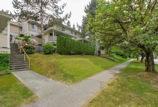 """Photo 2: 2 2223 ST JOHNS Street in Port Moody: Port Moody Centre Townhouse for sale in """"PERRY'S MEWS"""" : MLS®# R2363236"""