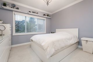 Photo 12: 1600 HOLDOM Avenue in Burnaby: Parkcrest House for sale (Burnaby North)  : MLS®# R2165020