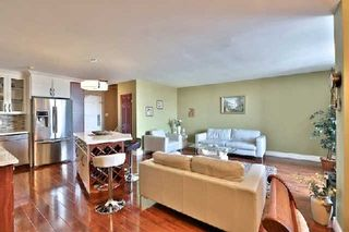 Photo 3: 13 35 Ormskirk Avenue in Toronto: High Park-Swansea Condo for sale (Toronto W01)  : MLS®# W2871950