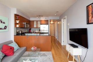 """Photo 17: 1108 822 SEYMOUR Street in Vancouver: Downtown VW Condo for sale in """"L'ARIA"""" (Vancouver West)  : MLS®# R2393856"""