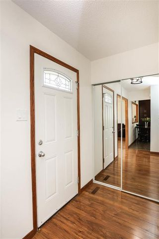 Photo 3: 59 Dorge Drive in Winnipeg: St Norbert Residential for sale (1Q)  : MLS®# 202111914