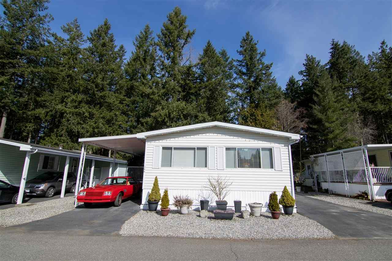 Main Photo: 246 20071 24 AVENUE in : Brookswood Langley Manufactured Home for sale : MLS®# R2489015