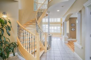 Photo 5: 218 Sienna Park Bay SW in Calgary: Signal Hill Detached for sale : MLS®# A1132920