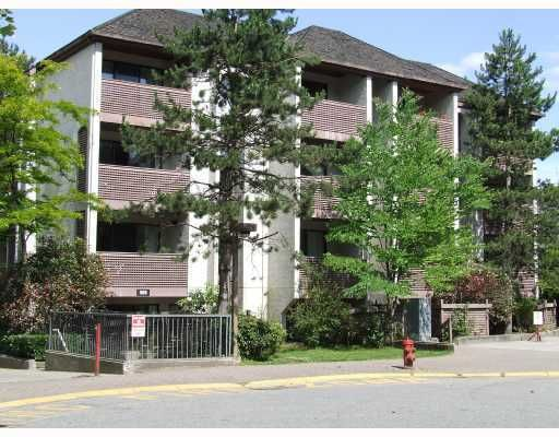 "Main Photo: 406 365 GINGER Drive in New Westminster: Fraserview NW Condo for sale in ""FRASER MEWS"" : MLS®# V799961"