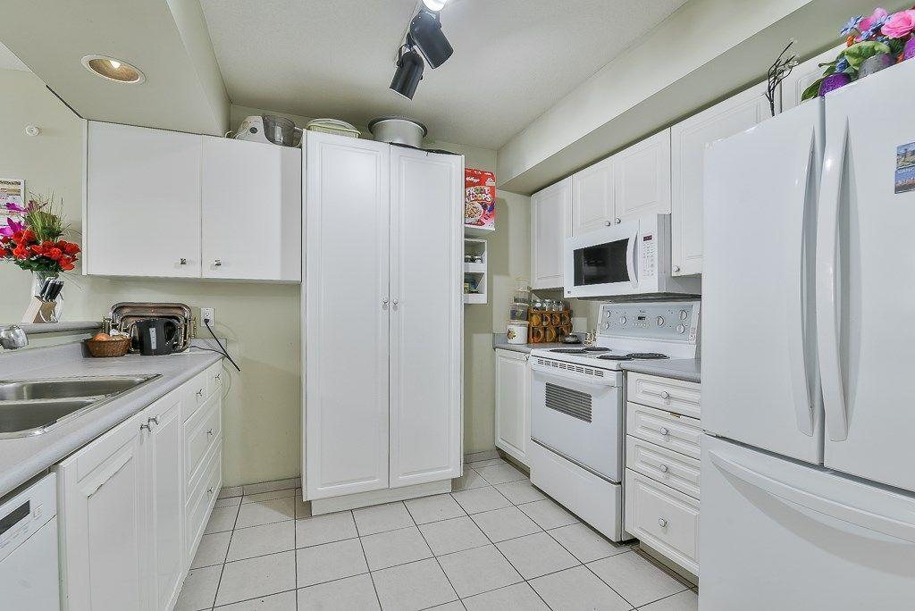 "Photo 4: Photos: 313 12739 72 Avenue in Surrey: West Newton Condo for sale in ""NEWTON COURT"" : MLS®# R2293338"