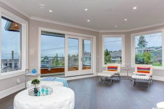 """Photo 12: 15765 PACIFIC Avenue: White Rock House for sale in """"White Rock"""" (South Surrey White Rock)  : MLS®# R2582579"""