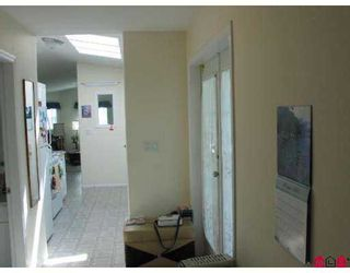 """Photo 10: 81 1840 160 Street in Surrey: King George Corridor Manufactured Home for sale in """"BREAKAWAY BAYS"""" (South Surrey White Rock)  : MLS®# F2721766"""