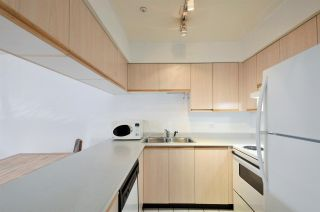 "Photo 2: 208 2133 DUNDAS Street in Vancouver: Hastings Condo for sale in ""HARBOUR GATE"" (Vancouver East)  : MLS®# R2227783"